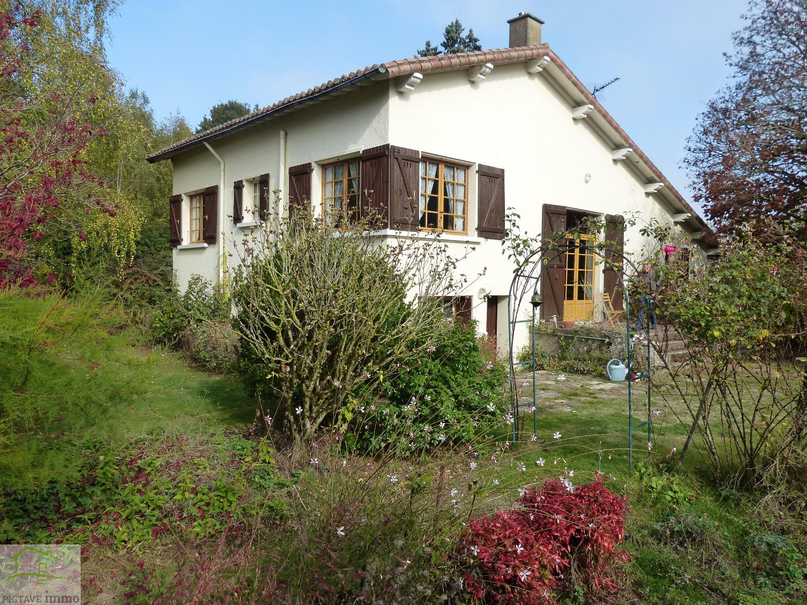 Vente maison de bourg avec terrain arbor for Maison atypique 94